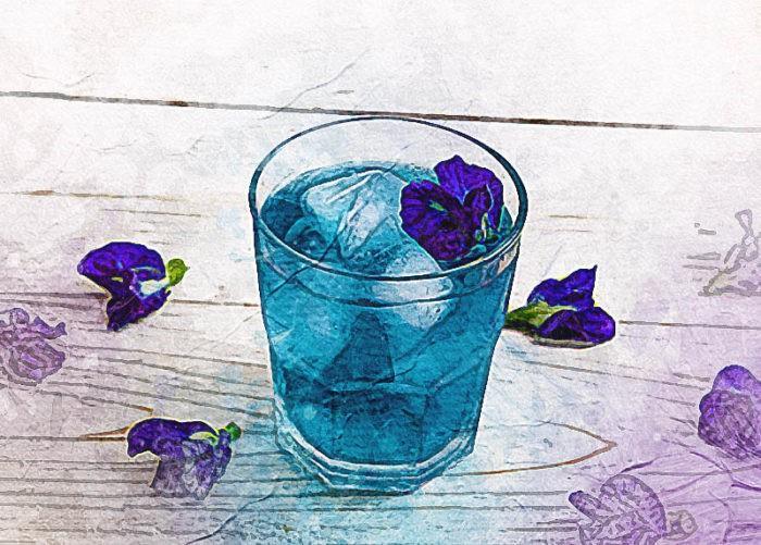Синий чай со льдом.